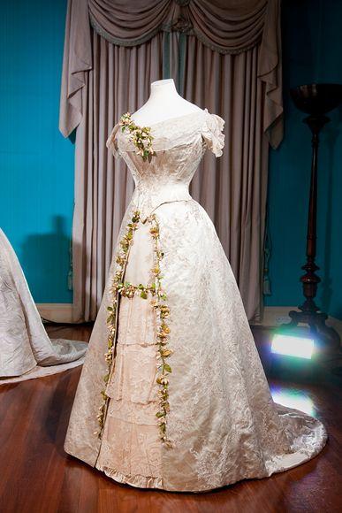 queen mary39s wedding dress jessica jewett With queen mary wedding dress