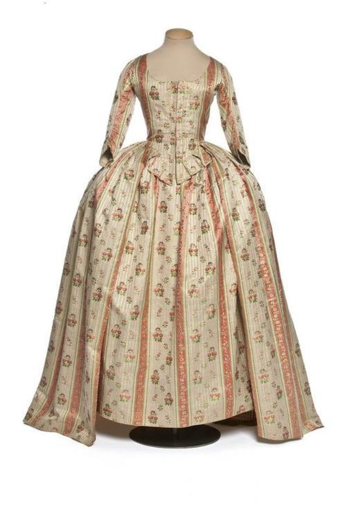 More fabulous historical clothing